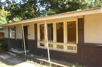 relisted  non payer!  residential home corner lot in jackson, MS.  NO RESERVE