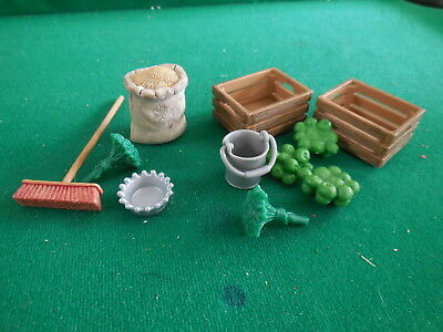 Schleich FEED BOXES, OAT BAG, GREEN APPLES, PUSH BROOM, BUCKET, model Figure