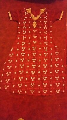 ladies cherry 3 Piece salwar kameez Good condition size M/L
