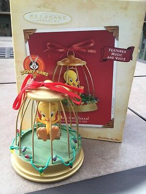 Hallmark Keepsake DECK THE HALLS! Tweety Christmas Ornament 2004