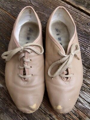CAPEZIO Tan Lace-Up Jazz Shoe Size 6 1/2 W