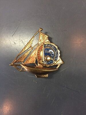 New Yorks 1940 Worlds Fair  Gold Colored Souvenir Boat Pin