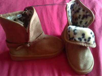 girls brow winter boots new. Infant size 9