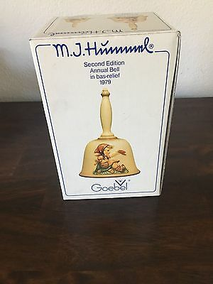 New M.J. Hummel Second Edition Annual Bell in bas-Relief 1979 Goebel - Germany