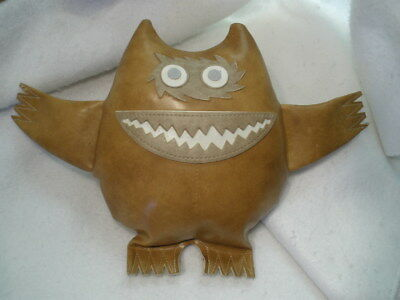 "ORIGINAL 1960s Uniroyal ""Nauga"" Naugahyde Monster Show Car Doll pillow Camel clr"