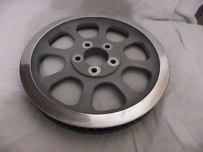 Harley Davidson-Pulley, rear, 70 T - (silver)-plus the original bolts