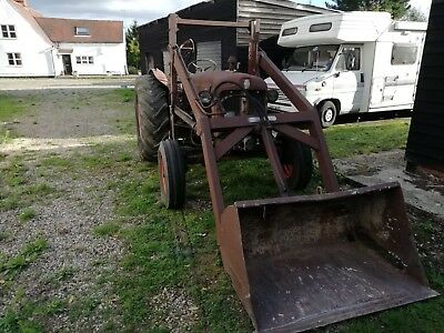 Fordson Major Tractor live drive with power loader