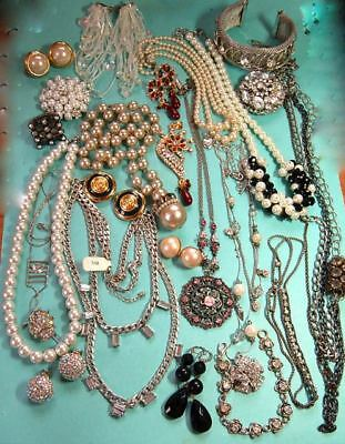 ESTATE HUGE LOT OF VINTAGE & NOW COSTUME JEWELRY Lots of COOL PIECES some Signed