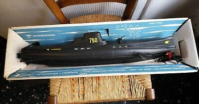 MONTELEONE 750 sottomarino vintage Submarine toy made in Italy, LUNGHEZZA: 52 CM