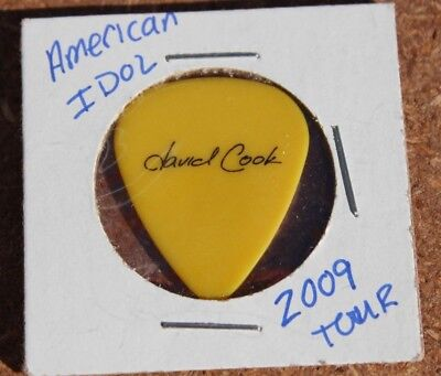 David Cook Authentic Tour Issue Guitar Pick American Idol 2009 yellow/black
