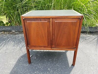 Jack Cartwright Founders Danish Modern Mid-Century Walnut Slate Top Night Stand