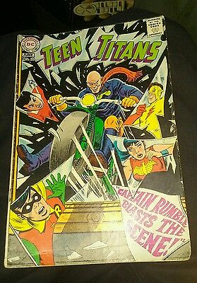 "Teen Titans #15 ""Captain Rumble Blasts the Scene!"" VG- Condition!!"