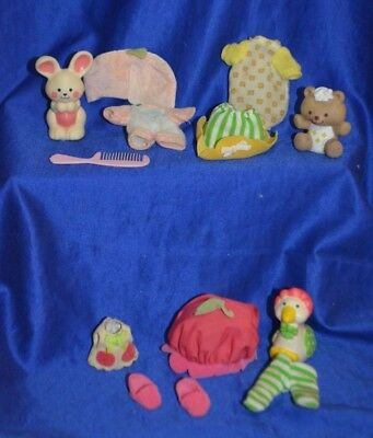 """Vintage Strawberry Shortcake Doll """"Outfits and Pets"""" ~ By  Kenner -"""