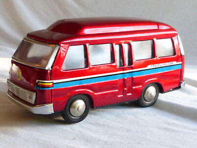 Red China MF 298 Traveling Car Blech Auto Spielzeug Tin Toy Friction 80er Jahre