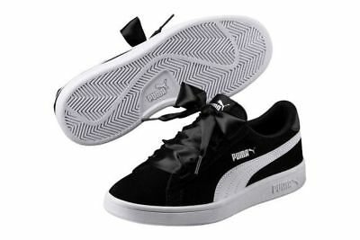 927ca260e71742 NEW PUMA Smash V2 Ribbon Girls Suede Shoes 366004 01 Black White SELECT SIZE