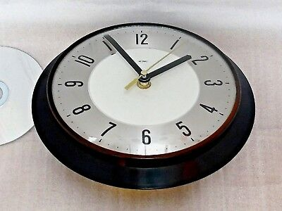50s 60s METAMEC WALL CLOCK, Vintage BLACK ROUND BAKELITE, Retro BATTERY QUARTZ