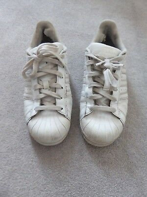 Adidas Trainers 5.5  White have wear & bits on outer Grt for school/messy Trips