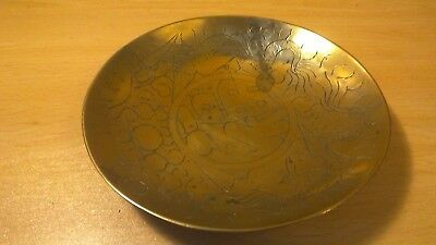 Vintage brass charger / tray / plate.