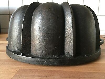 Antigue cast iron bundt cake pan heavy baking germany old