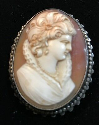 Vintage silver hand carved cameo broach/locket