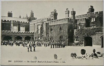 POSTCARD:GUARDS BAND AT St.JAMES.VERY EARLY REAL PHOTO IMAGE