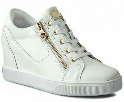 detailed look ea459 7c643 GUESS DONNA NUMERO 41. Sneakers bianche in pelle con zeppa interna.