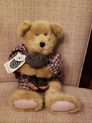 Boyds Bears Investment Collectibles Hunter Bearsdale w/Greenspan