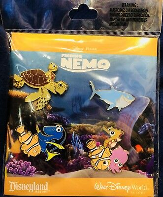Disney * FINDING NEMO * RETIRED * New in Pack 4 Pin Booster Set - Dory Bruce