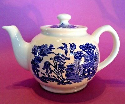 Sadler Teapot - Blue Willow - Blue And White - Made In England