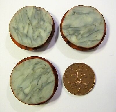 Set of 3 large VINTAGE BUTTONS. Red with mother of pearl effect / marble. 3.8 cm