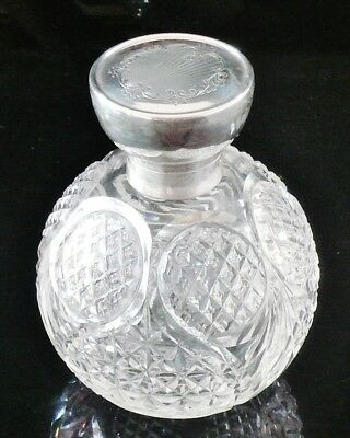 Large Silver & Cut Glass Scent Perfume Bottle, Birmingham 1915, Synyer & Beddoes