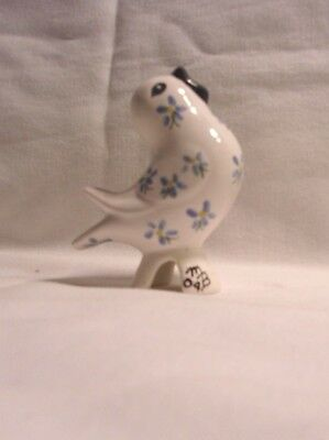 Bird  H669 -LLBC/mb  Ceramic White Songbird with Blue Flowers Pie Bird by MB