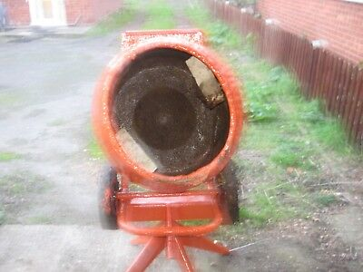 Belle Cement Mixer Electric Used  Cash  On Collection Please  240 Volts