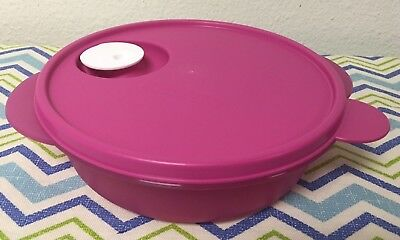 "Tupperware Crystalwave 7"" DIvided Lunch Container 4 Cups Microwave Fuchsia New"