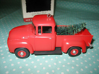 Hallmark Keepsake Christmas Ornament 1995 All American 1956 Ford Truck #1 In Box