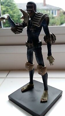 2000ad Ultimate Collection - Judge Death figurine - Premium subscription excl.