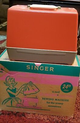 Vtg child's Singer Sewhandy Electric Sewing Machine Model 50 With Box