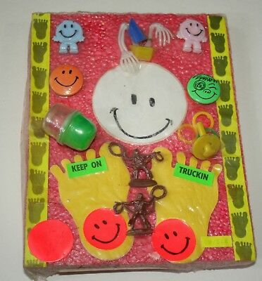 Vending Toy Gum Machine 13 Prizes Feet Smile Buttons Display Header Card 1970s