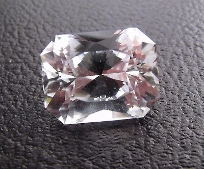 Exceptionnelle Topaze Incolore 54.8 Carats / Namibie / Video