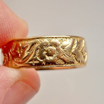 Antique Victorian 18ct Gold Floral Engraved Wedding Band Ring c1898