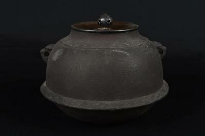 M7754: Japanese Old Iron TEAKETTLE Teapot Chagama w/copper lid Tea Ceremony