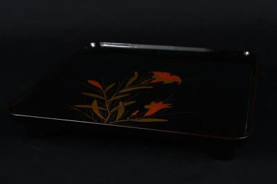 R1995: Japanese WOODEN TRAY Table Lacquer ware Flower gold lacquer pattern