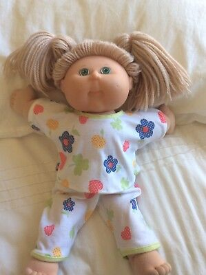"""DOLLS CLOTHES fit 16"""" CABBAGE PATCH DOLL - Summer Pyjamas. Hearts And Flowers"""