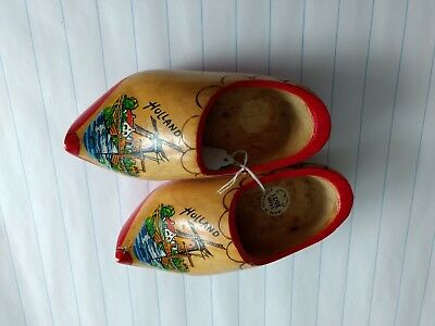 Vintage Holland Wooden Shoes Handpainted size 14 cm 20/21