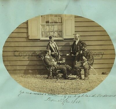 Rare Photo Of Highland Borderers Regiment - Customs & Manners 1860 Showcliffe