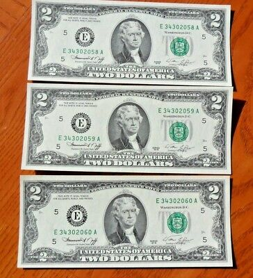Lot of (3) Uncirculated Series 1976 $2 Two Dollars Notes  Consecutive Serial #'s