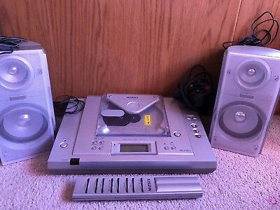 Matsui CD And Radio Player Micro System With Speakers And Remote Control Silver
