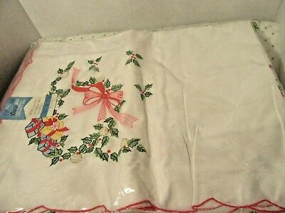 Christmas Table Cloth 54'' X 72 1/2'' Holiday Embroidered All Cotton New