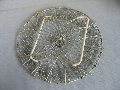 Vintage Wire Mesh Egg Basket/Collapsible Vegetable Strainer with Handles