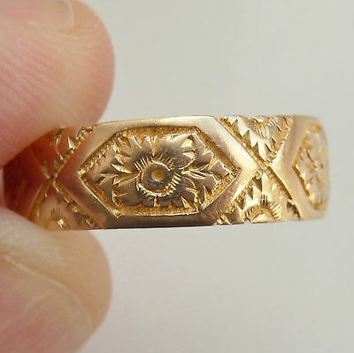 Fine Antique Victorian 18ct Gold Floral Engraved Wedding Band Ring c1888